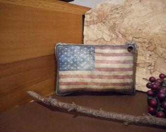 Pillow Tuck: Primitive Rustic Americana Flag Pillow Tuck