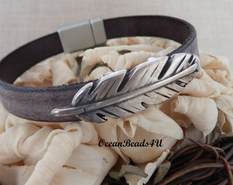 Brown Leather Bracelet with Metallic Leaf