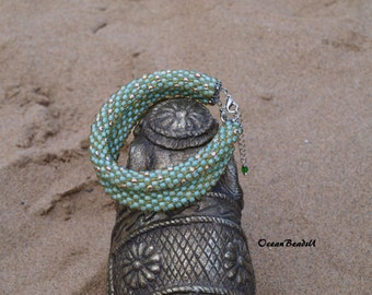 Beaded Crochet Green Bracelet/Beaded Bracelet/ Häkelarmband/ Armband