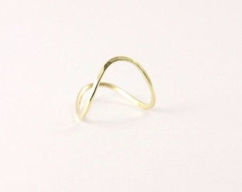 Wave ring Gold 585 hammered