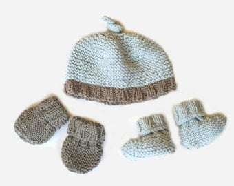 Easy Knitting Pattern: baby hat, booties & mittens - 3 patterns in 1. Beginner baby knitting pattern.