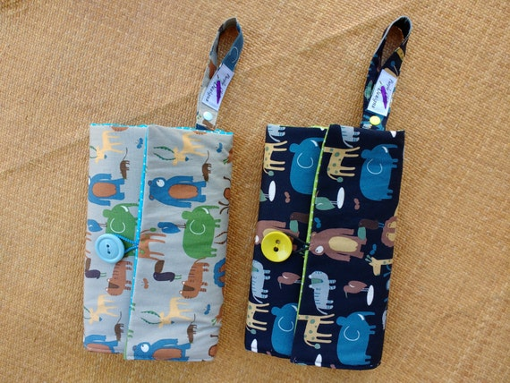 Nappy Wallet with waterproof Change Mat - Nappy Pouch - Diaper Clutch - Grey with animals/ Navy with animals