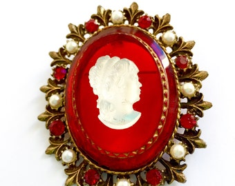 Vintage Red and White French Cameo Brooch From The 1950s