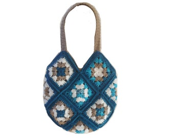 Crochet bag of granny squares dress time - crochet bag