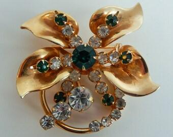 Vintage emerald and gold flower brooch