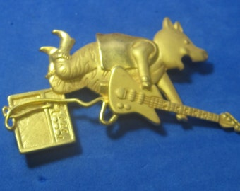 VINTAGE Antique Brooch Guitar Playing Pig