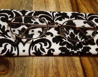 Black & White Reading Glasses Holder - Eye Glass Case