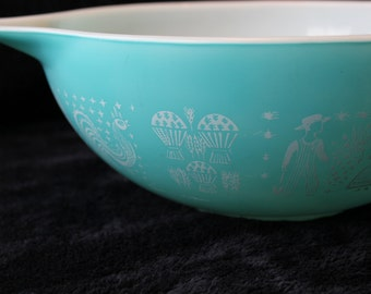 Pyrex 444 Cinderella Bowl Amish Butterprint