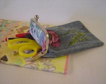 Pencil case with a poppy flower. Denim kiss lock pencil case. Denim pouch. Denim bag. Hand painted. Glasses case.