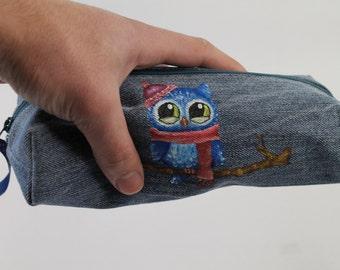 Pencil case. Denim pouch. Denim bag. Denim zippered pencil case with a sleepy owl. Denim bag. Pouch.