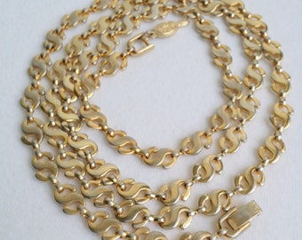 Vintage Sarah Coventry Gold Tone SSS Link Chain Necklace