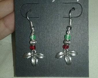 Christmas mistletoe bead earrings!