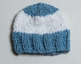 Handmade baby hat with 100% organic cotton yarn