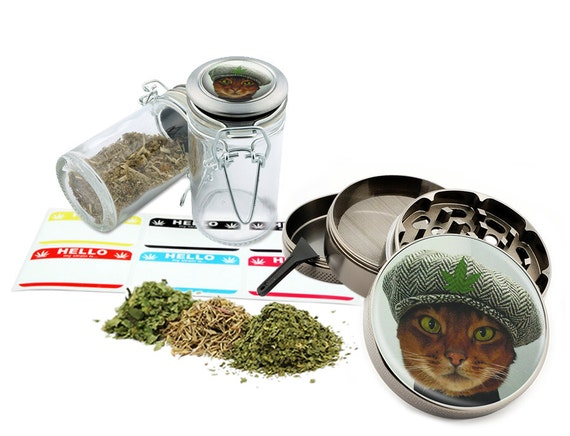 "Cat Leaf - 2.5"" Zinc Alloy Grinder & 75ml Locking Top Glass Jar Combo Gift Set Item # 50G102015-24"