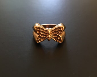 Vintage Avon Butterfly Gold Tone Ring Size 4