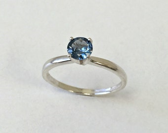 925 Sterling Silver Ring natural London Blue Topaz. Round 5mm. Jewelry. US@GEMS