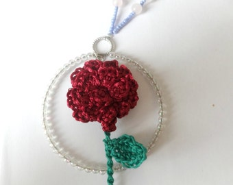 Single English rose necklace