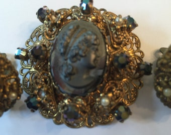Vintage cameo brooch and earrings