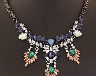 Statement fashion necklace