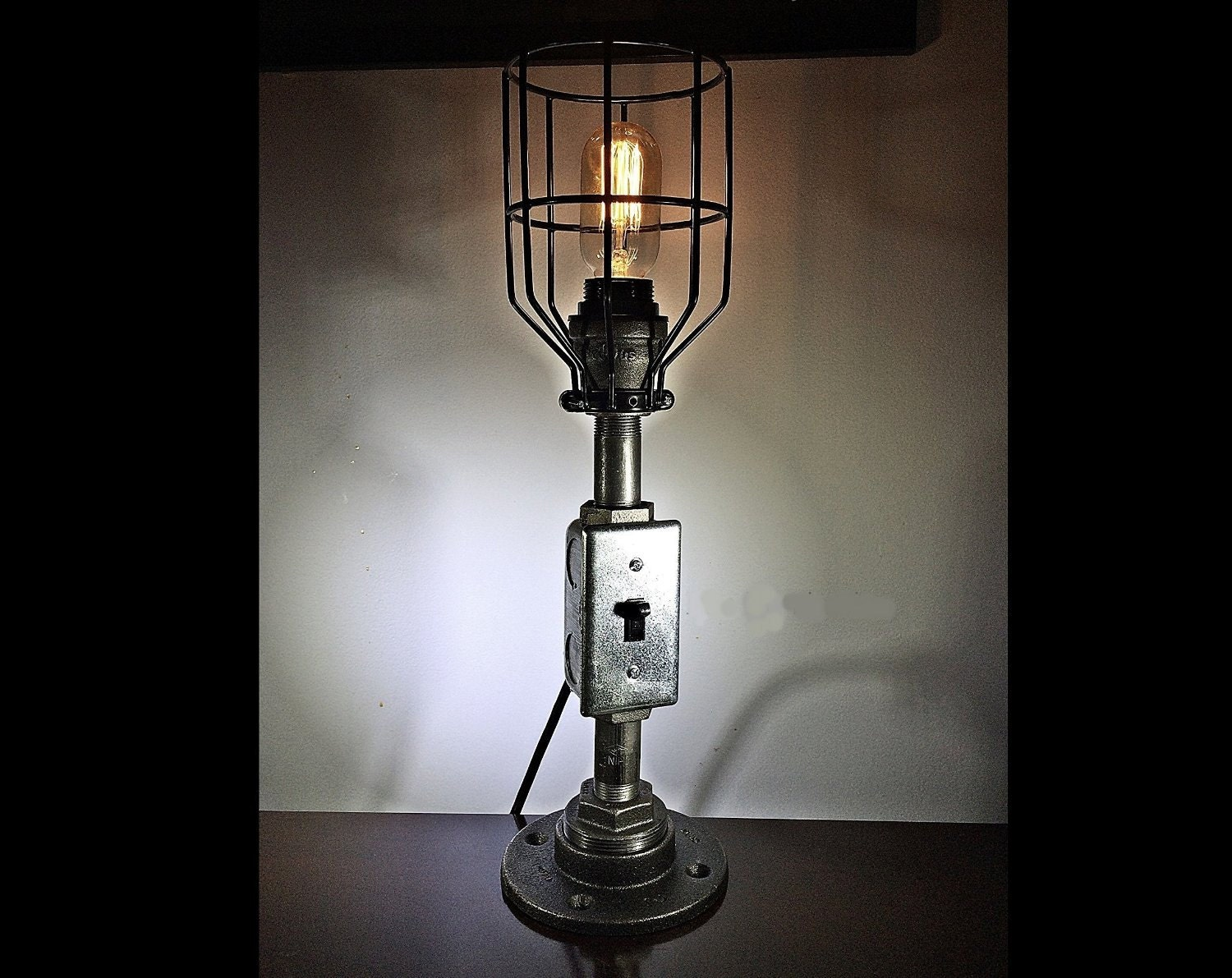 Pipe lamp steampunk lamp edison lamp industrial lamp iron for How to make an industrial lamp