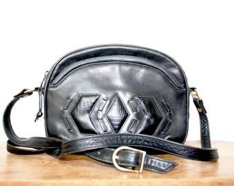 vintage leather bag / vintage leather purse / vintage leather crossbody bag / festival bag / boho purse / navajo bag / leather shoulder bag
