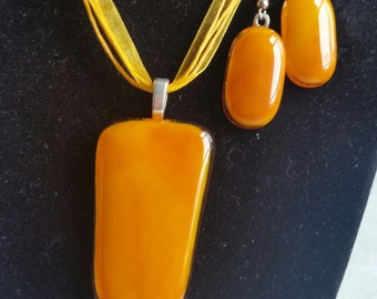 Orange Fused Glass Pendant and Earrings (R044)
