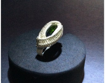 Faceted chrome diopside ring