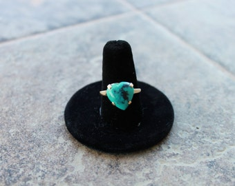14K Gold Heart Shaped Turquoise Ring Size 6.5