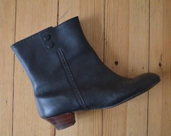 Vintage 1960s Winter Go-Go Boots