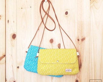 Shoulder bag with handle leather-color yellow/turquoise-birds/crossbody bags-Leather strap-color yellow/turquoise-Birds