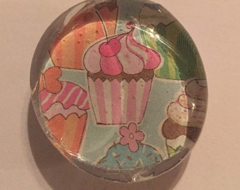 Cute Cupcake Magnet glass colorful pink blue yellow gift