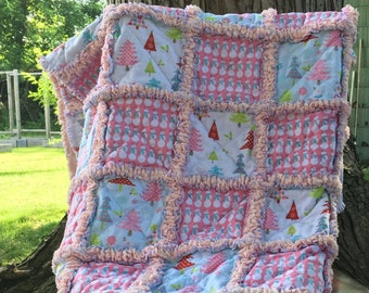 Christmas Throw Rag Quilt - Cottage Chic -Gift for Grandma- Gift for her - Holiday - Lap Quilt - Rag Quilt - Throw Rag Quilt - Cottage