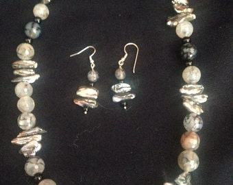 Classy gray pearls and spider web agate