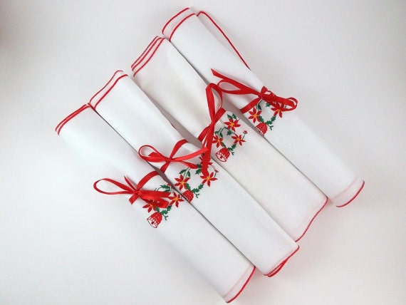 Vintage Placemat Christmas Placemats Fingertips Towels Linen Poinsettia Embroidered Set of Four Holiday Table Decor Hostess Christmas Gift
