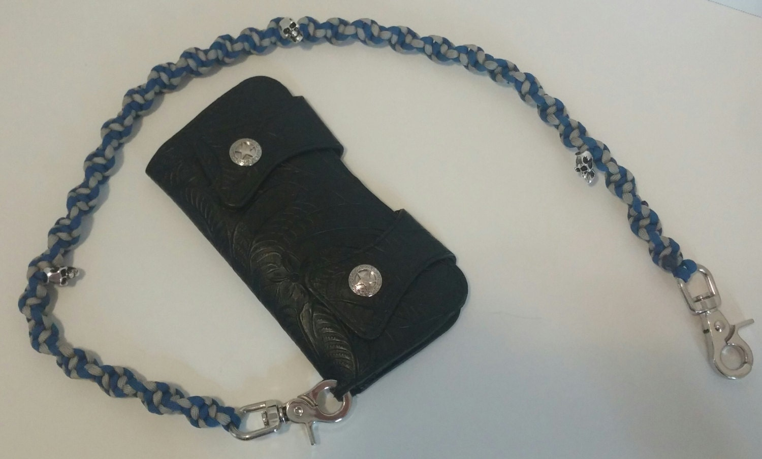 Paracord wallet chain by bulenscreations on etsy for How to make a paracord wallet chain