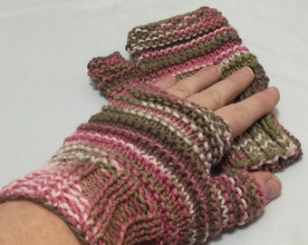 Fingerless driving gloves in pink camo #1016