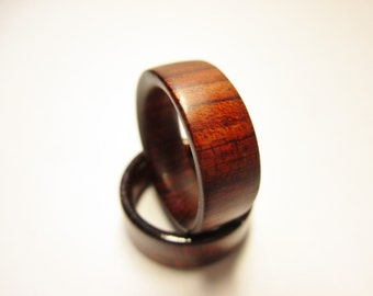 Guibourtia wood ring.Natural finish,