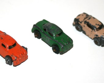Vintage 1940's BARCLAY Lot of 3 Slush Lead 1 1/2 Inch Long Cars for the Auto Transporter