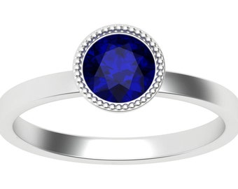 Blue Sapphire Luna ring in 18K White Gold