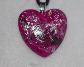 Pink embellsihed heart shaped glass pendant