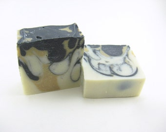 Black Pepper and Ginger Scented Large Soap, Twice the Spice, Man Friendly Soap, Cold Process, Vegan, Sunflower Oil, Sweet Almond Oil