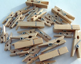 Wooden Natural  Colour Pegs #EO3-4