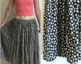 Boho Flower Child Daisy Maxi Skirt// 90's Vintage Floral Size M Skirt