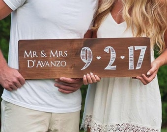Wood Wedding Couple Sign, Mr and Mrs Sign With Last Name, Wedding Couple Sign