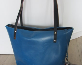 The blue leather bag / Leather hand bag