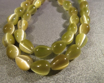 Olive Green Cat's Eye Teardrops Beads 50pcs