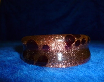 Vintage Lucite cuff with gold flex and purple circles