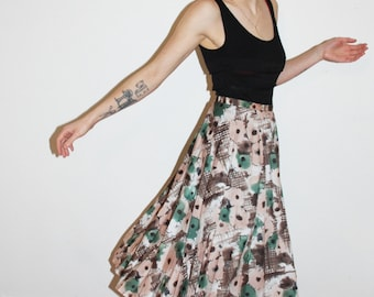 Flowery pleated skirt