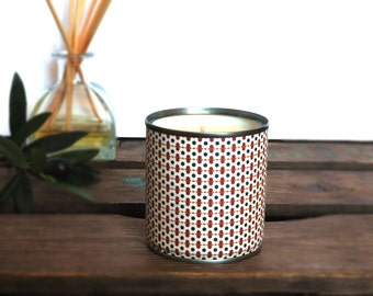 PIA candle natural soy wax and vegan, made in a recycled Tin