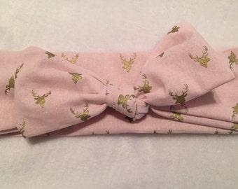 Pinky Deer Topknot